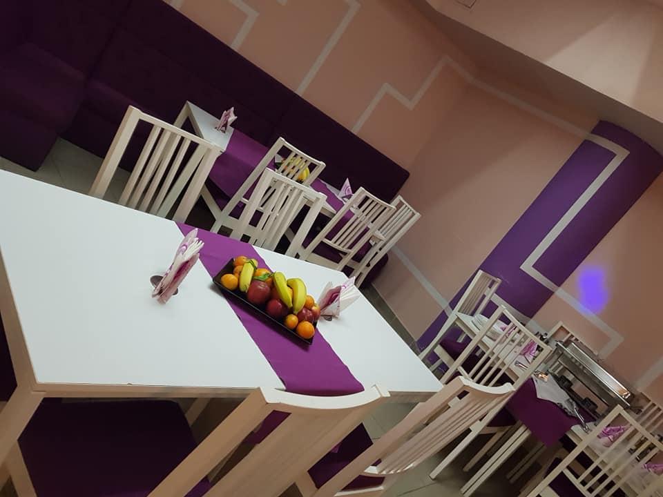 GokidsGolocatie petreceri pentru copii mese