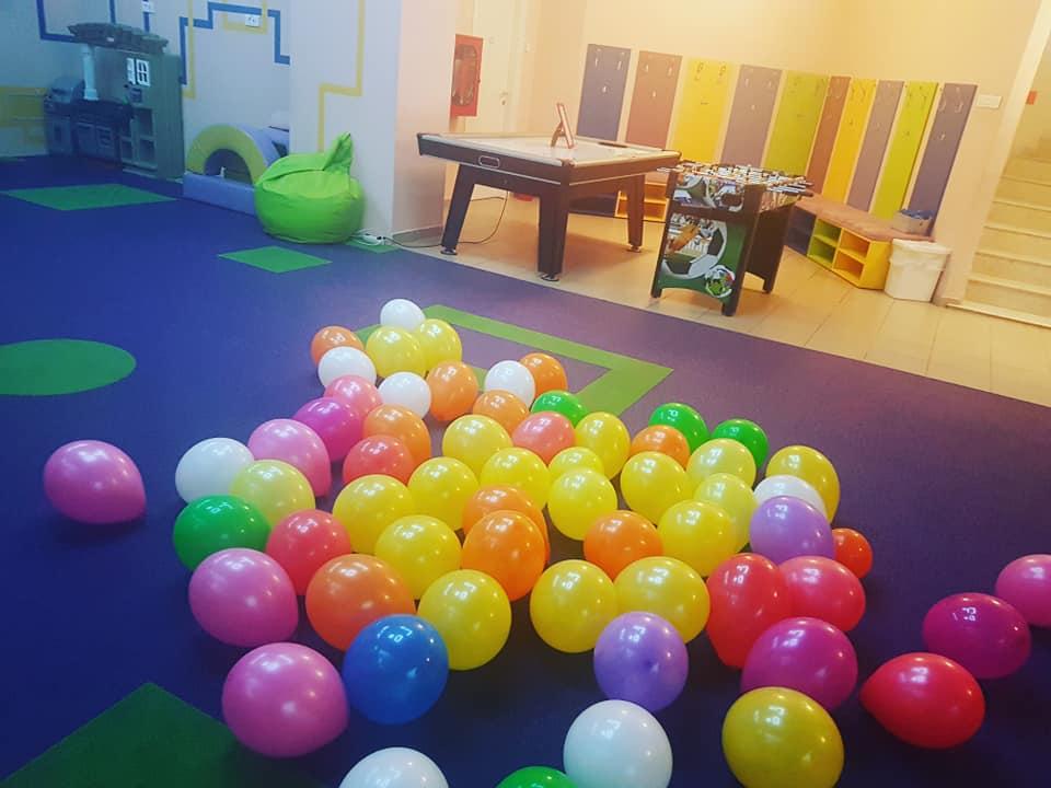 GokidsGolocatie petreceri pentru copii baloane