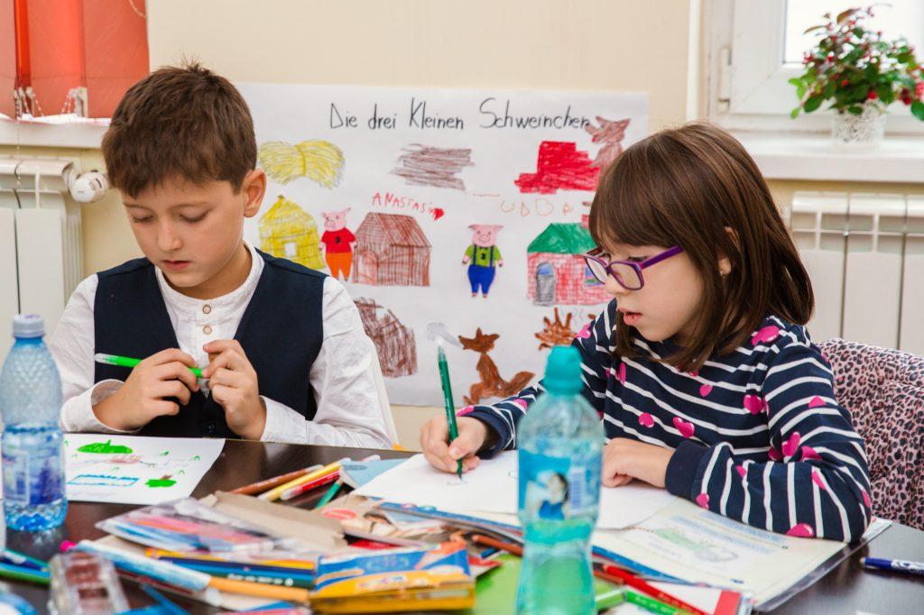 copii invatang limba germana la kinder kulturhaus